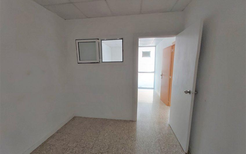 Ref.: 3350 – Alquiler local comercial calle peatonal – Sant Esteve Sesrovires