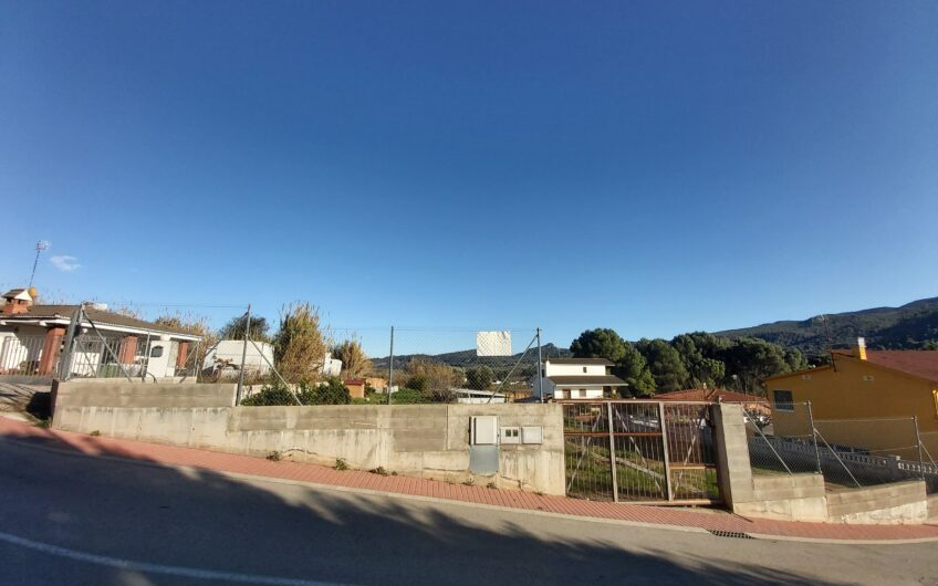 Ref.: 2933 – Terreno residencial totalmente llano en Sant Esteve Sesrovires